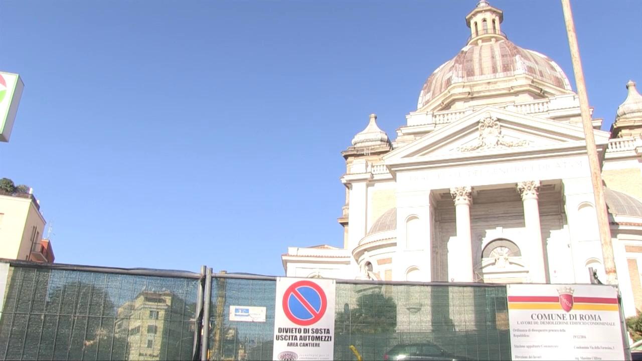 Roma, quello che resta del palazzo crollato alla Farnesina