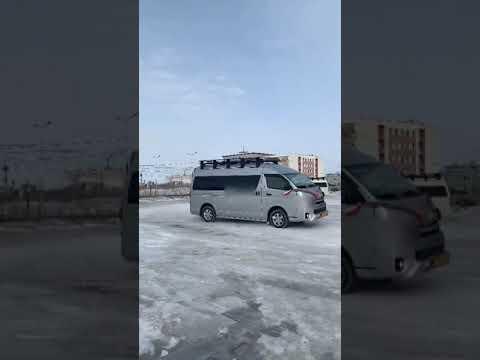 """Устроившие """"дрифт"""" в сквере """"Ворота Якутска"""" водители свадебного кортежа оштрафованы"""