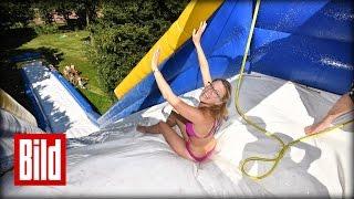 Riesen-Wasserrutsche im Test - Spaß im Schwimmbad