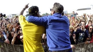 Dizzee Rascal & Robbie Williams - Going Crazy at Radio 1's Big Weekend 2013