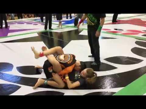 10 Year Old Girl Wins 12u No Gi BJJ Match vs Older Boy