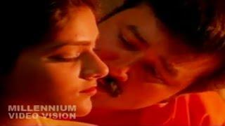 Romantic Film Song   Iru Meyyum Oru Manasum   Njangal Santhushtaranu    K. J. Yesudas,K. S. Chitra