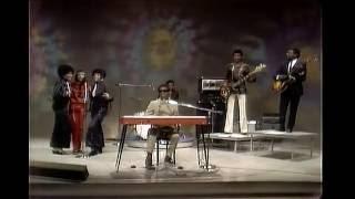 SIGNED! SEALED! DELIVERED! Michael Henderson on Bass Guitar w Stevie WonderThe Dick Cavett Show