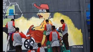 Wow, Dinding Stadion Pati Digambari Mural oleh 675 Orang