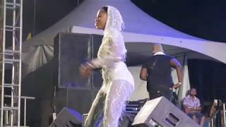 Patrice Roberts performing 'Carry On' at Cavanal