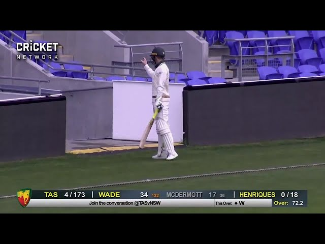 Paine 'does a Fawad', forgets his glove