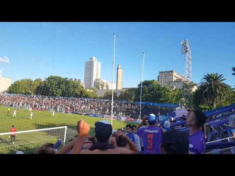 """Hinchada violeta Defensor 3 danuBio 2"" Barra: La Banda Marley • Club: Defensor"