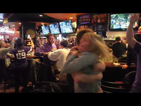 Vikings Fans Go Crazy in Downtown Hopkins, MN After Winning NFC Divisional Playoff Game - 1/14/2018