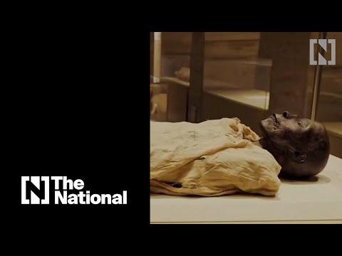 Egypte de prachtige parade met eeuwenoude mummies door Cairo