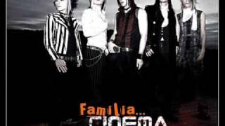 Cinema Bizarre - Dysfunctional Family in spanish