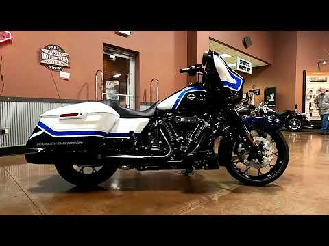 2021 Harley-Davidson Street Glide® Special in Mauston, Wisconsin - Video 1