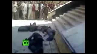 Смотреть онлайн Расстрел людей в Сирии
