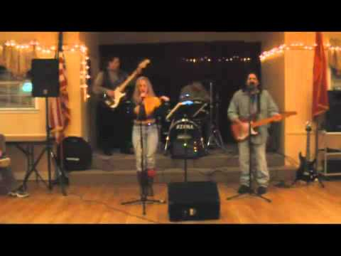 Matt   Amy Band Leave the Light On - YouTube.flv mattyfngrs