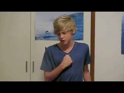 Cody Simpson singing I Believe I Can Fly by R. Kelly (old)