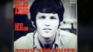 """TONY JOE WHITE-""""POLK SALAD ANNIE""""(LYRICS)   360p"""
