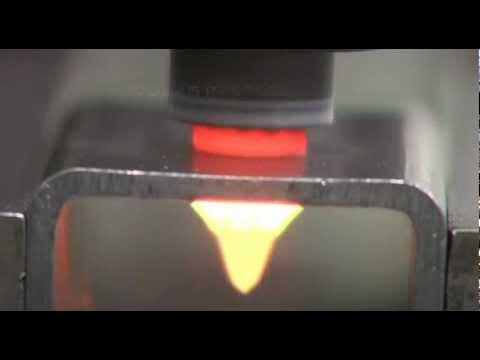 這種工具叫做熱熔鑽,它不僅可以一次性完全兩個任務