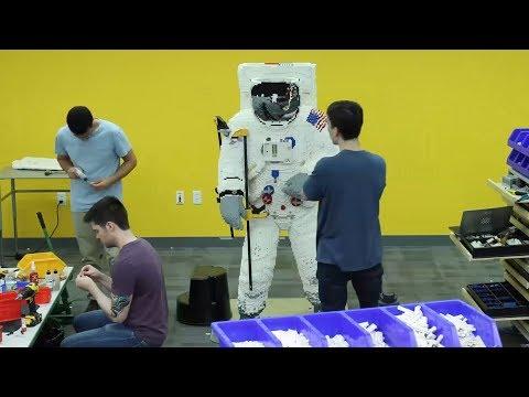 Life Sized LEGO Astronaut Build Time Lapse