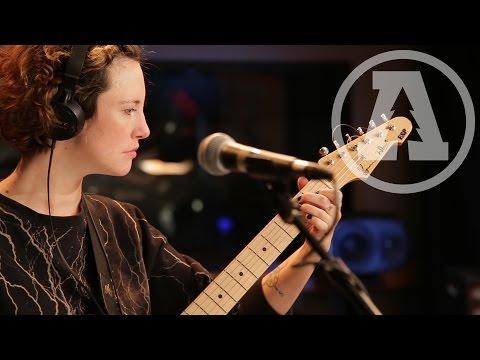 Esmé Patterson - Never Chase a Man - Audiotree Live
