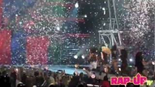 Britney Spears ft. Nicki Minaj - TTWE Remix (Femme Fatale Tour) Staples CA 6/20/11