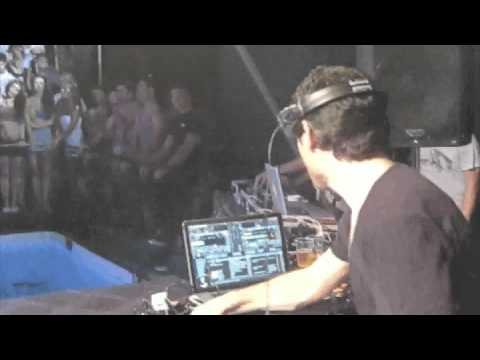 Gavin Herlihy @ Zoo Project_Ibiza 2011.m4v