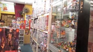 preview picture of video 'Bandai Gundams, Toys Kingdom, Yik Foong Compleks, Ipoh'
