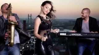 Maya Berović   Dečko Za Provod   (Official Video ARTWORK 2014)