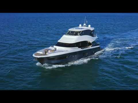 Monte Carlo Yachts MCY 76 Skylounge video