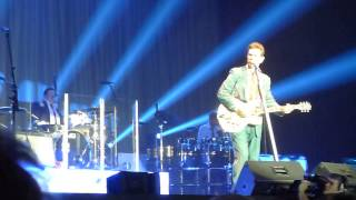 BLUE CHRISTMAS by Chris Isaak 12/20/14 Sands