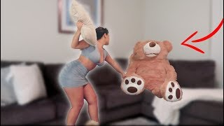 GIANT TEDDY BEAR COMES TO LIFE PRANK ON GIRLFRIEND! ** HILARIOUS **