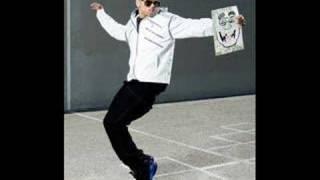 Chris Brown-Keep It Movin'