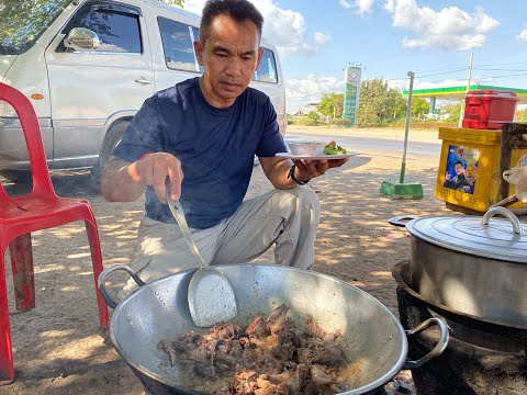 Khmer Food Bong General Stir Fry at National Highway 5 បងGeneral ឆានៅលើផ្លូវជាតិលេខ5 ខេត្តបាត់ដំបង