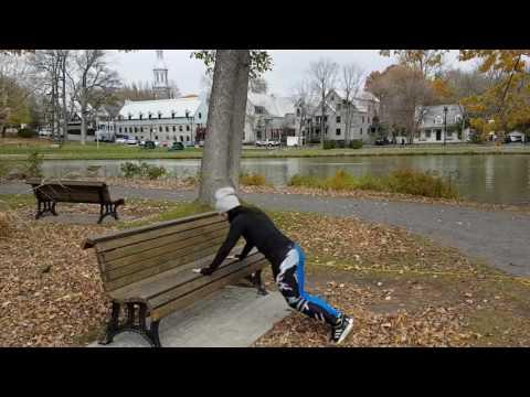 Les exercices sur les fesses et les muscles pectoraux
