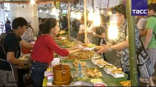 Видео: Бангкок — это город небоскребов, бизнес-центров, дворцов, храмов и… уличной еды