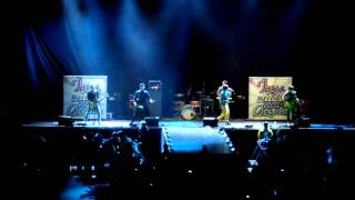 These Kids Wear Crowns - Break It Up - Live, HQ (Mississauga Hershey Center, Oct. 2)