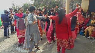 Pahari Dhol Band Baje NON-STOP Wedding Dance || Desi Dance || Himachali Culture || Mandyali Baje👌😘