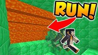 PARKOUR TO ESCAPE THE LAVA! (Minecraft Super Lava Run)