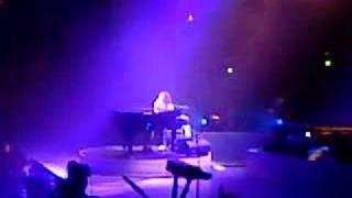 Alicia Keys - Sure looks good to me (live @ Ahoy Rotterdam)