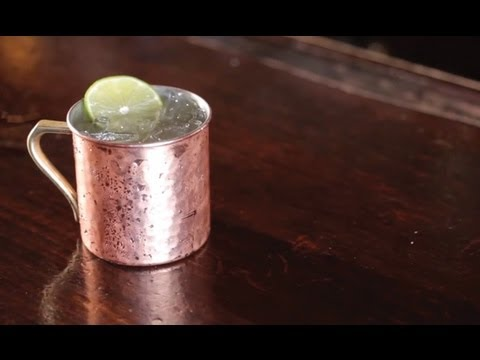 Video How to Make a Moscow Mule Cocktail - Liquor.com
