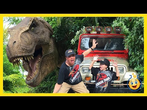 Jurassic Park T-Rex & Giant Life Size Dinosaurs! Islands of Adventure Universal Studios Family Video