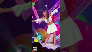 FOCUS - Jihyo in white outfit - Dance the night away - Show champion