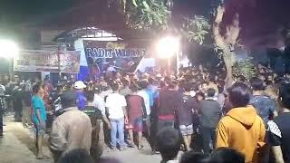Download Video Pemain jaranan digeruduk penonton..warogo sumo Budoyo feat Radit Wijaya crew.live pagerluyung Moker MP3 3GP MP4