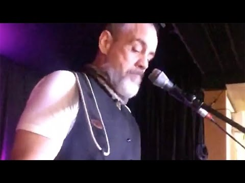 Bret Mosley - Signs of Love (Live)...