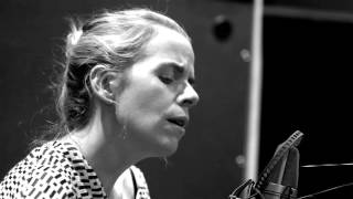 "Aoife O'Donovan ""You Turn Me On, I'm A Radio"" (Joni Mitchell cover)"