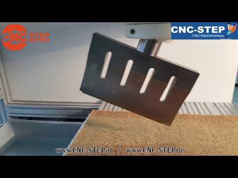 Ultraschall Schneiden mit der High-Z/T CNC-STEP Maschine