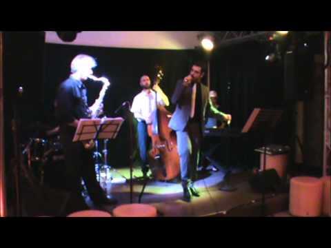 Marco Cocco Cantante jazz-swing, crooner Cagliari musiqua.it