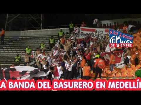 """""""La.Banda del Basurero en el Atanasio Girardot de Medellín"""" Barra: La Banda del Basurero • Club: Deportivo Municipal"""
