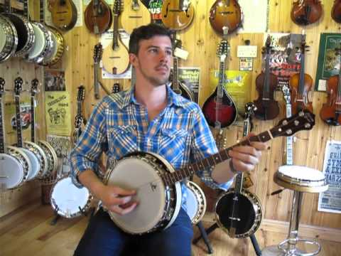 Martin Howley plays a sample tune on a Clareen Banjos, Special Model.
