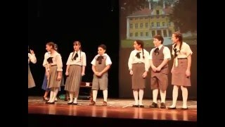 Maria and Von Trapp Children performing Do Re Mi from The Sound of Music