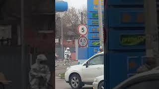 Вагон опрокинулся на цистерны АЗС в Алматы