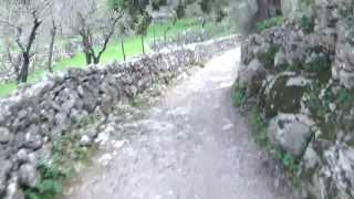 preview picture of video 'Comuna de Bunyola, bajada por Cocons.'